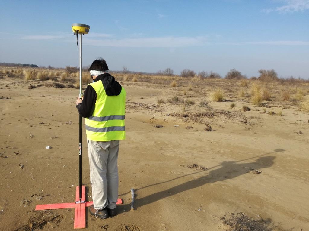 Droni e Database GIS per monitorare le minacce antropiche alle dune